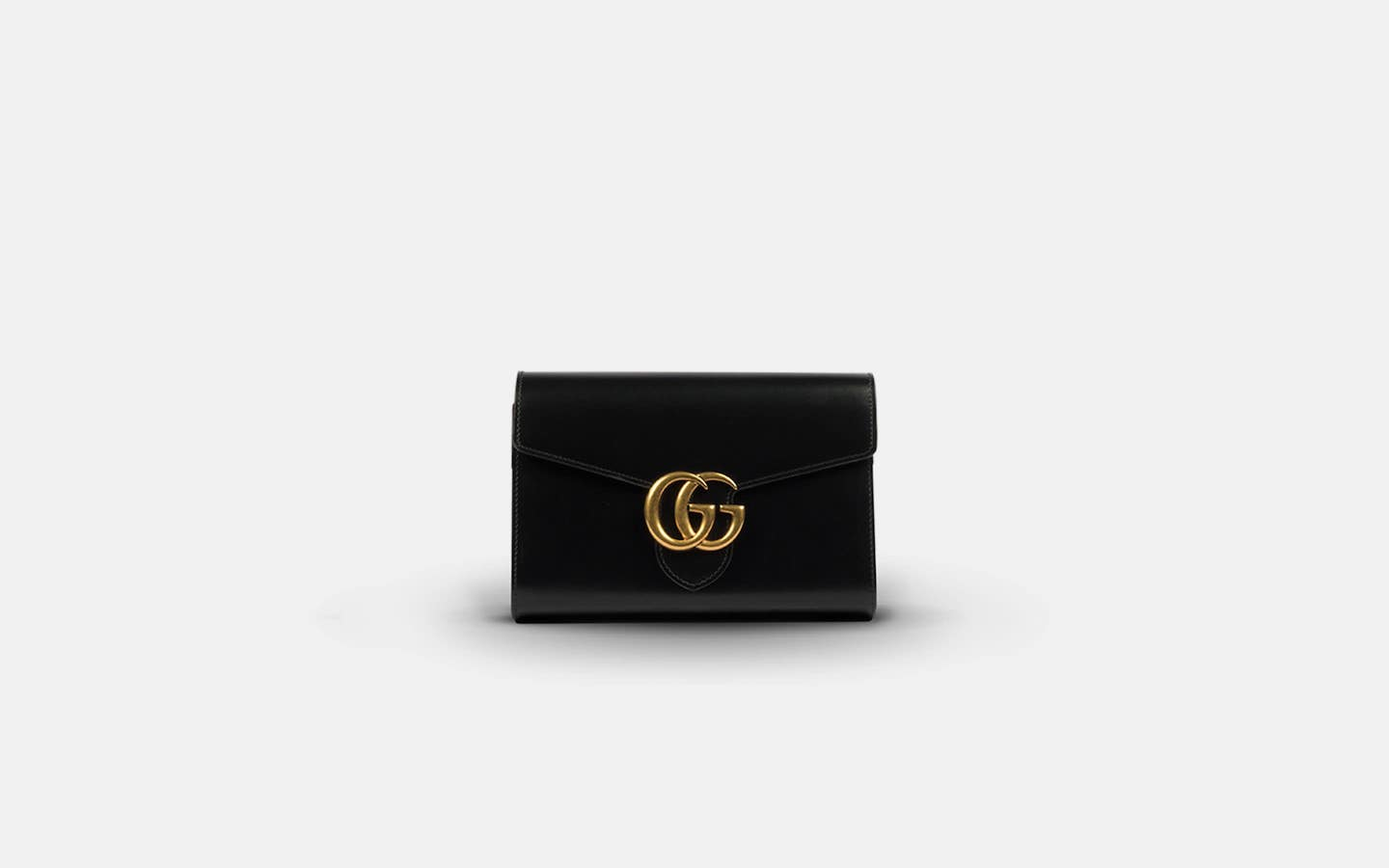 Gucci_Marmont_Chain_Wallet_Black_Clutch_Front-min