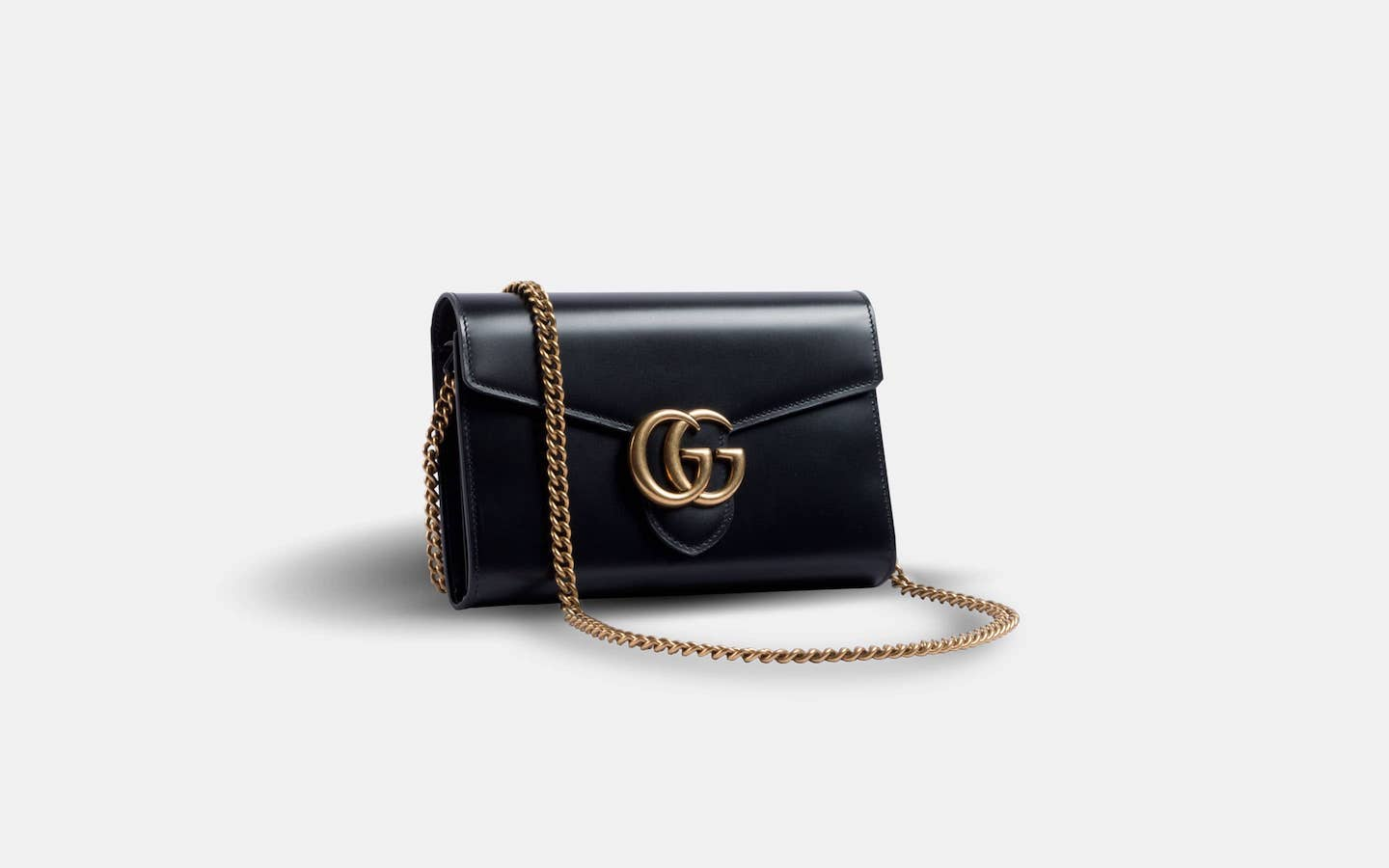 66ba67d7500c ... gucci-marmont-close-front-min-min;  Gucci_Marmont_Chain_Wallet_Black_Clutch_Front- ...