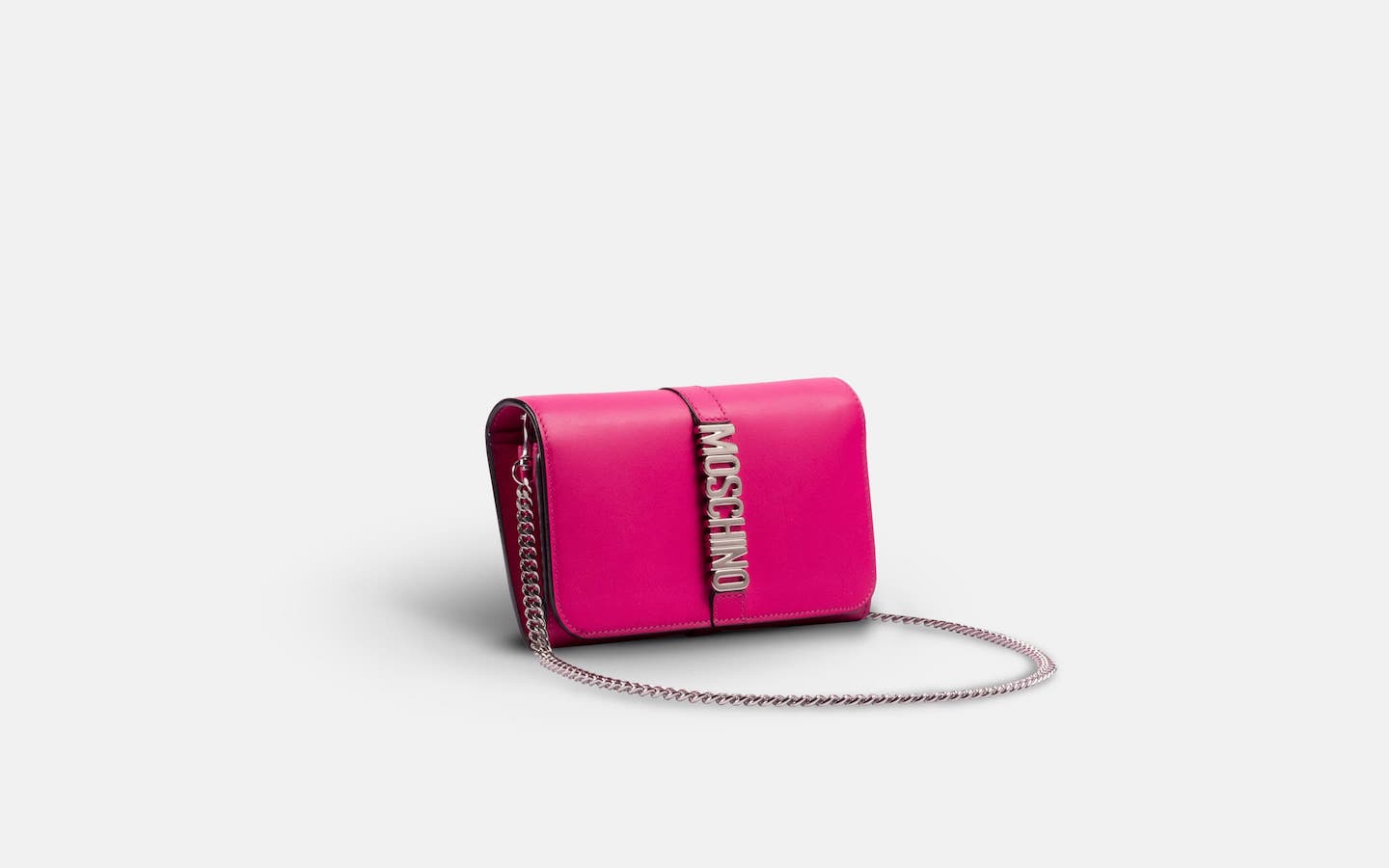 Moschino_Letters__Shoulder_Bag_Pink_Clutch_Angle_Chain-min