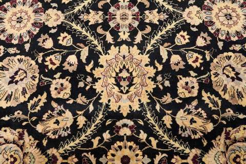 8 x 10 Black/Gold Persian Rug close-up of pattern