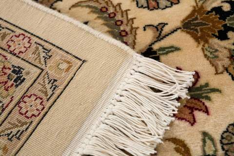 9x12 Pearl/Sage/Walnut Persian Rug close-up edges