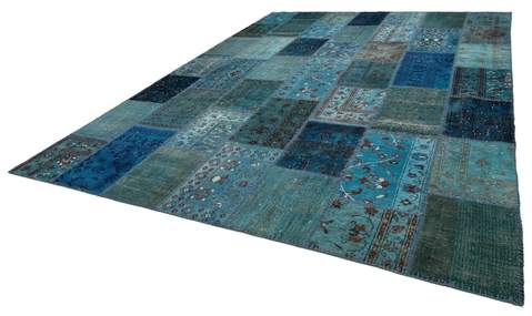 10x14 Ocean/Blue Overdyed Patchwork Rug floor view