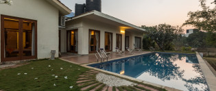 9 Palms,a luxury pool villa in Alibaug, Awas