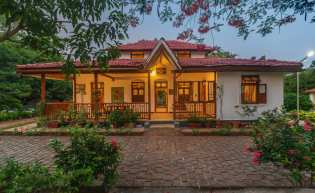 Private Waterfront Villas in Kamshet