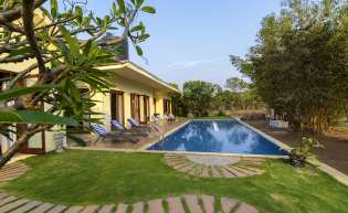 Pool villas near Mumbai