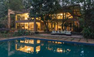 Villas for corporate offsites and large groups near Mumbai