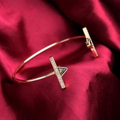 Shell Triangle Zircon Bracelet