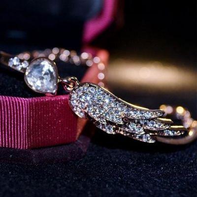 Diamond Angel Wings Bracelet