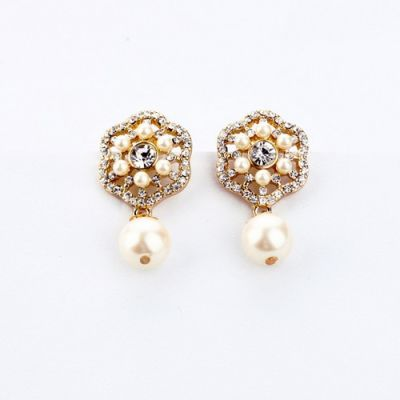 Pearl Diamond Hollow Flower Earrings