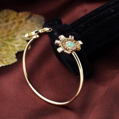 Sunshine Green Stud Bracelet