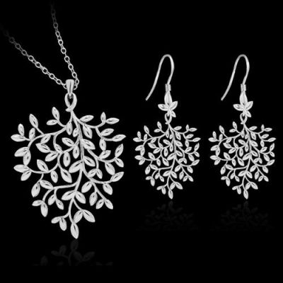 Delicate Silver Plated Leaves Pendant Set