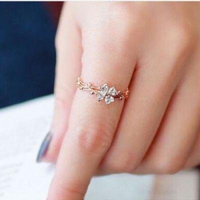 Delicate Twining Vine Diamond Ring
