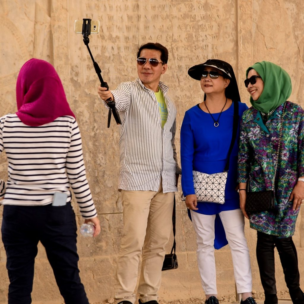 tourists in iran from china and hong kong