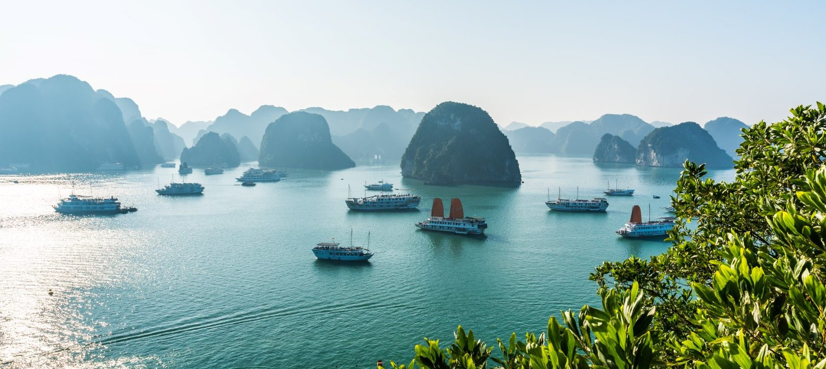 halong bay tours from Spain and Italy