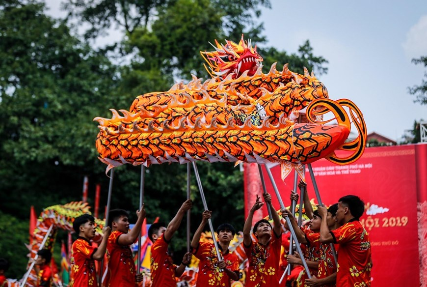 vietnamese dragon dance