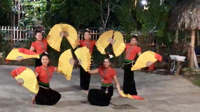 xoe dance vietnam