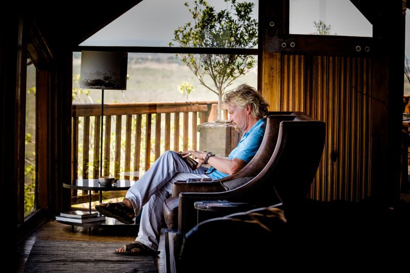 richard_branson_taking_notes_-_image_by_john_armstrong_photography.jpg