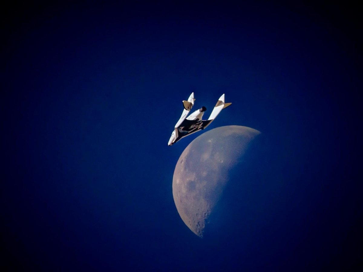 Space Class - airline upgrades to SpaceShipTwo   Virgin