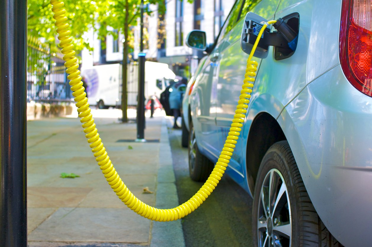 Electric cars: The benefits and the barriers | Virgin
