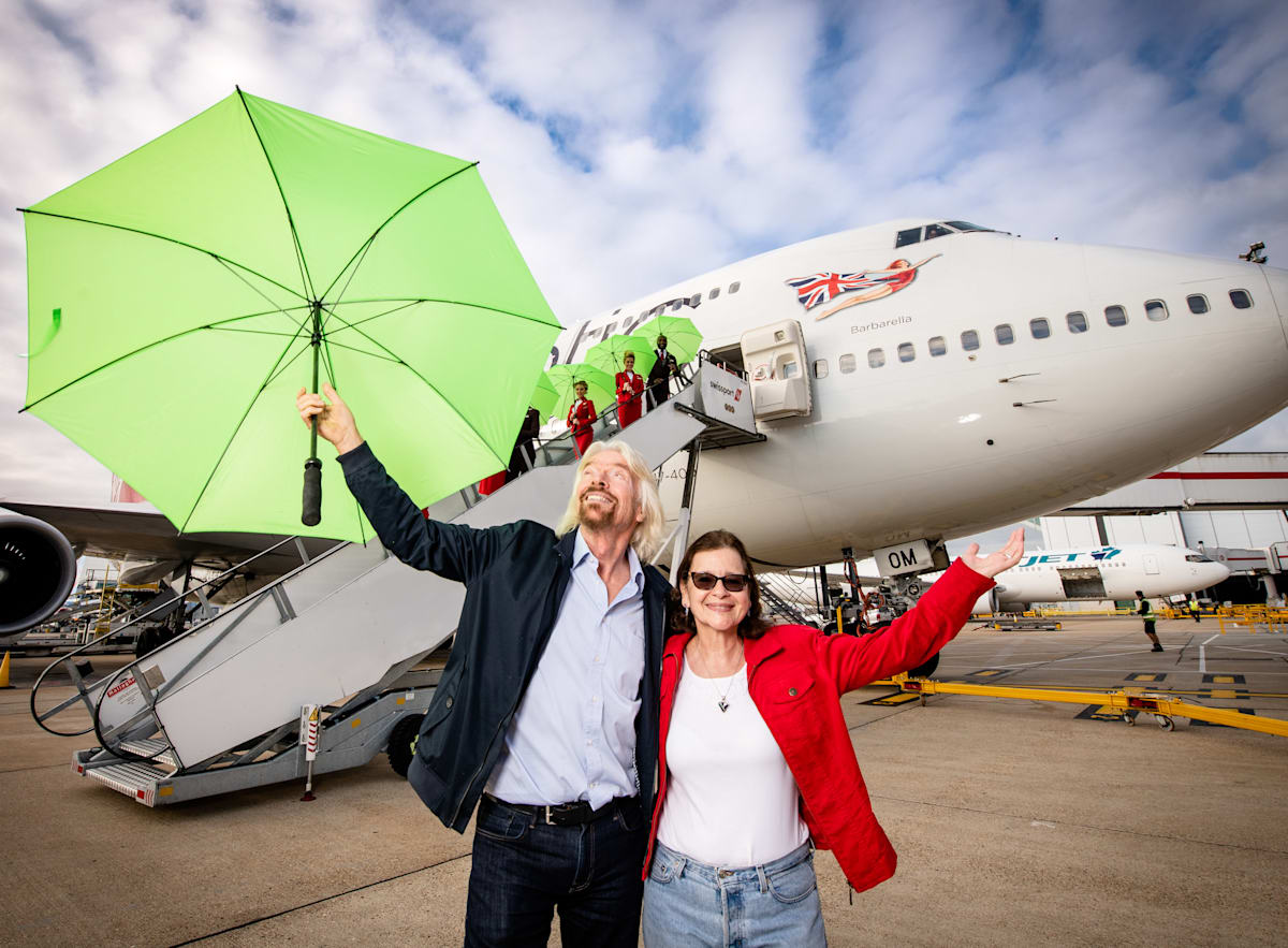 Virgin Atlantic flies the first ever commercial flight using