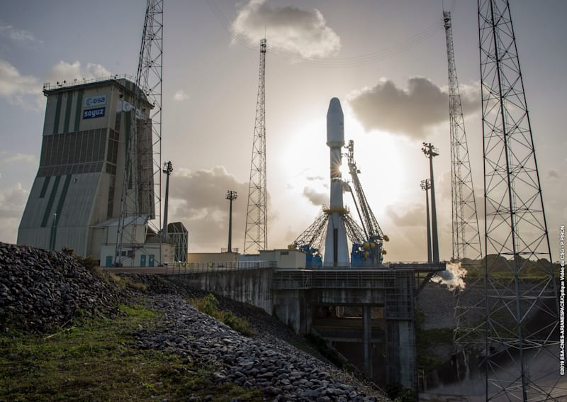 OneWeb launches its first satellites