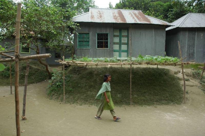 Smart affordable flood resistant homes for bangladesh for Bangladeshi house image