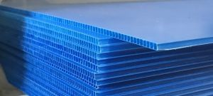 Lamina de plástico corrugado azul