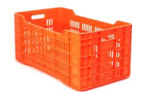 Caja de tipo agrícola calada de plástico con capacidad de 50 kilogramos y apilable