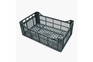 Caja de tipo industrial multi usos con plástico reciclada de polietileno con capacidad de 10 kilogramos, apilable con medidas de 51x31cm