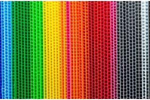 Lámina de extrusión de copolímero calibre 4 milimetros 700g/m2 flauta  abierta de 122x244cm