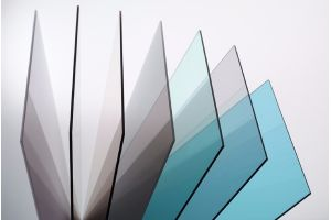 Placa de Policarbonato Solido contra rayos ultravioleta de 3 mm  1.83 X 2.44 mt