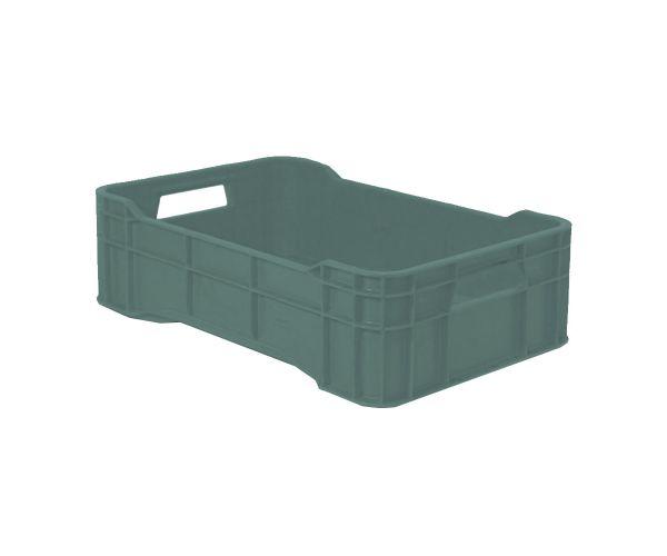✅ Caja de tipo agrícola con plástico reciclado, calada cerrada de polietileno con capacidad de 15 kilogramos, apilable y con medidas de 51x34cm.