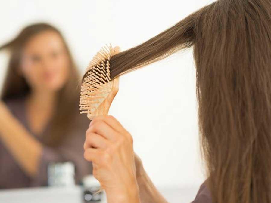 Rambut rontok berketombe