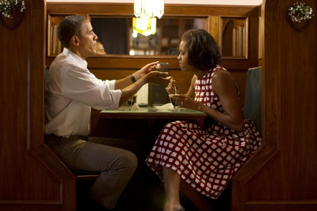© 2012 David Burnett Contact Press Images August 15, 2012 Iowa: Trip of President Barack Obama Cedar Rapids: visit with locals (including vets) @ Rileys Cafe later : interview with Sandra Westfall of PEOPLE Magazine also: signing books and memorabilia backstage for locals