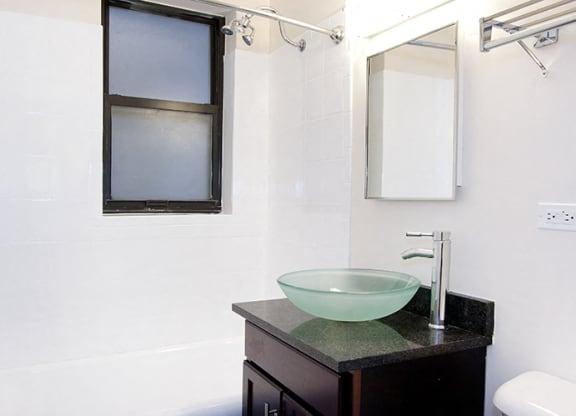 Spacious Bathrooms at Reside at Belmont Harbor, Chicago, IL,60657