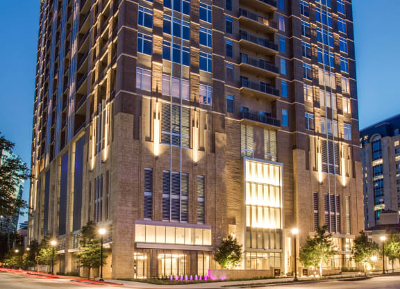 Modern Uptown Apartment Community at The Jordan by Windsor, Dallas, TX