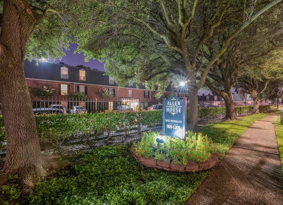 Lush, Beautiful Landscaping at Allen House Apartments, Houston, Texas