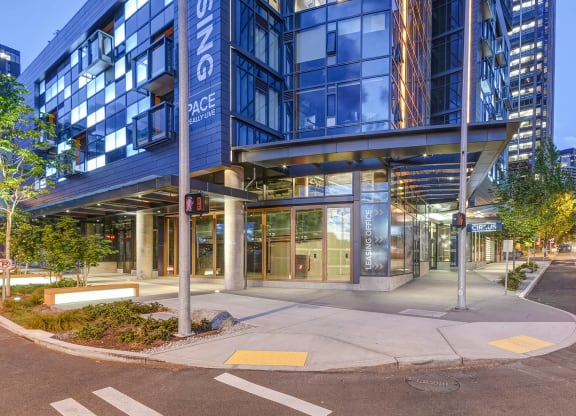 Professional, On-Site Management at Cirrus, Seattle, Washington