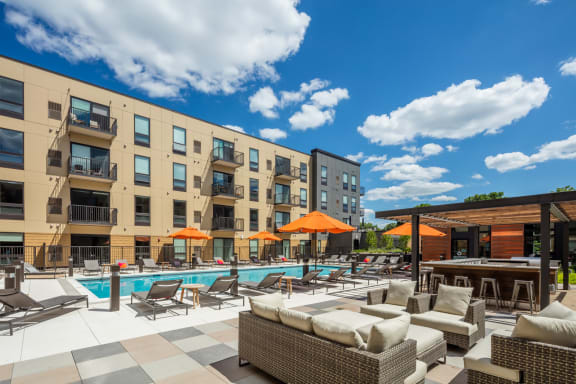 Vintage on Selby Apartments Lifestyle - Pool Deck & Pool