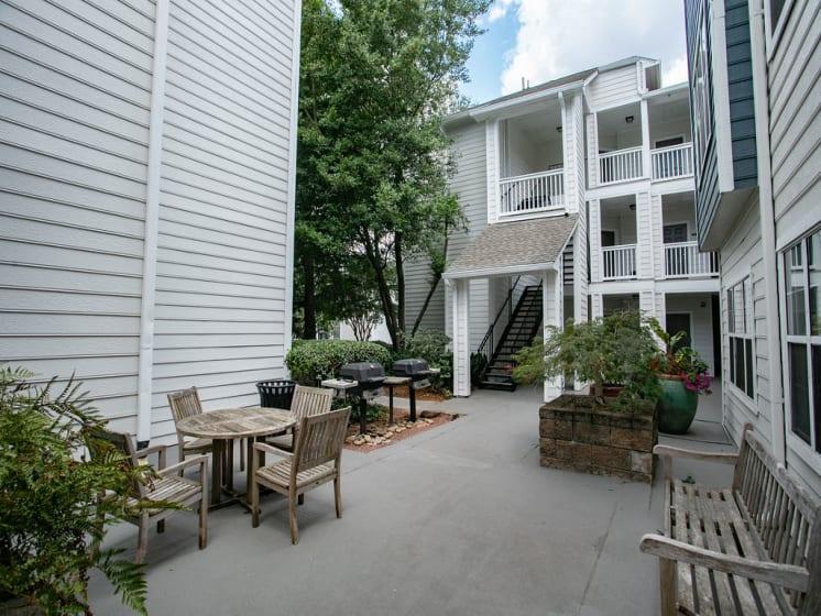 Quiet Outdoor Courtyard at The Prato at Midtown, Atlanta, Georgia 30308