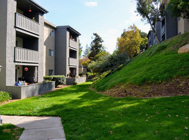Landscaped Walkways at Morning View Terrace Apartments, California, 92026