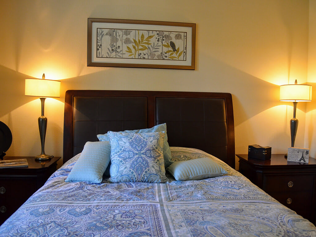 Classic Bedroom at Sterling Village Apartment Homes, Vallejo, California