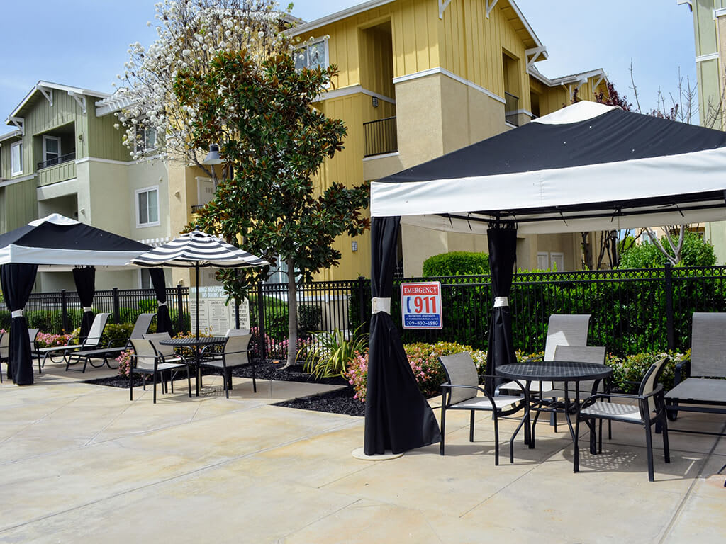 Beautiful Cabanas with Dining Area at Waterstone Apartment Homes, Tracy, 95377