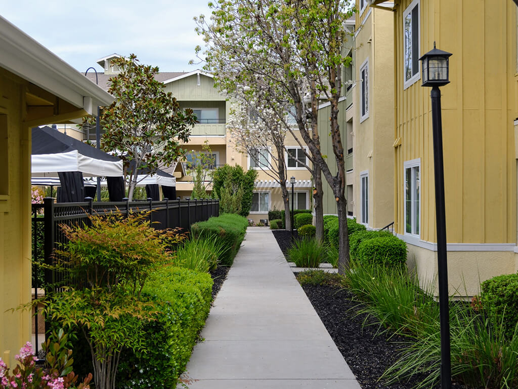 Beautiful Paths at Waterstone Apartment Homes, Tracy, California