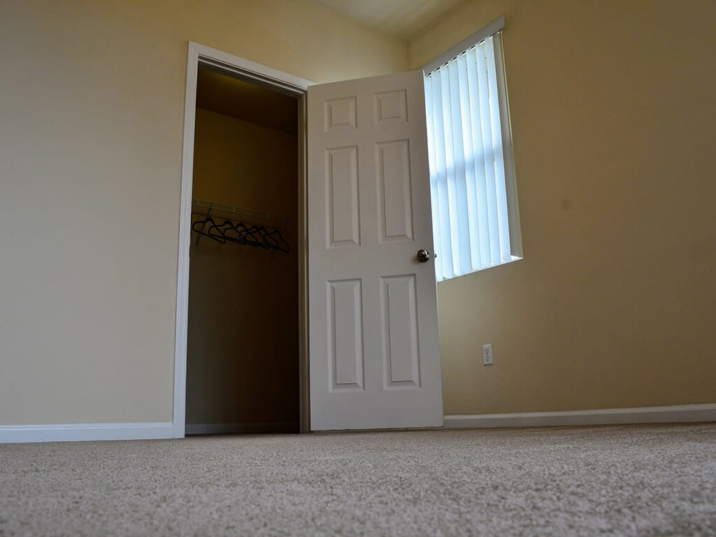 Wall-to-Wall Carpeting at Waterstone Apartment Homes, Tracy, 95377