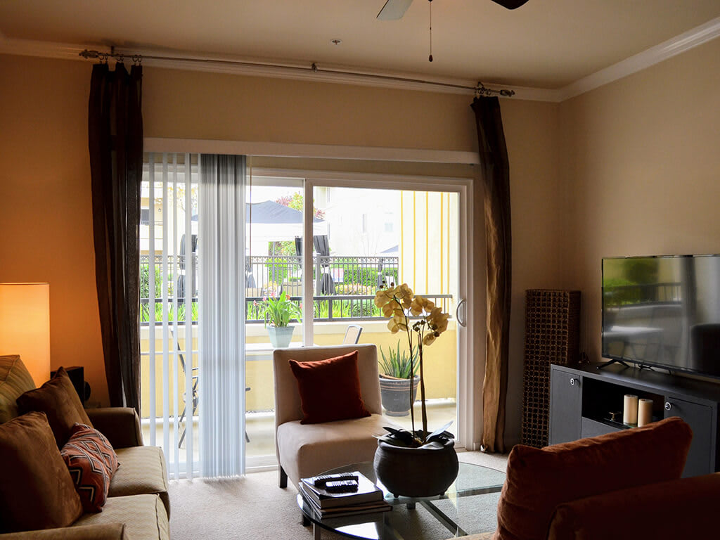 Beautiful Window Coverings at Waterstone Apartment Homes, California, 95377