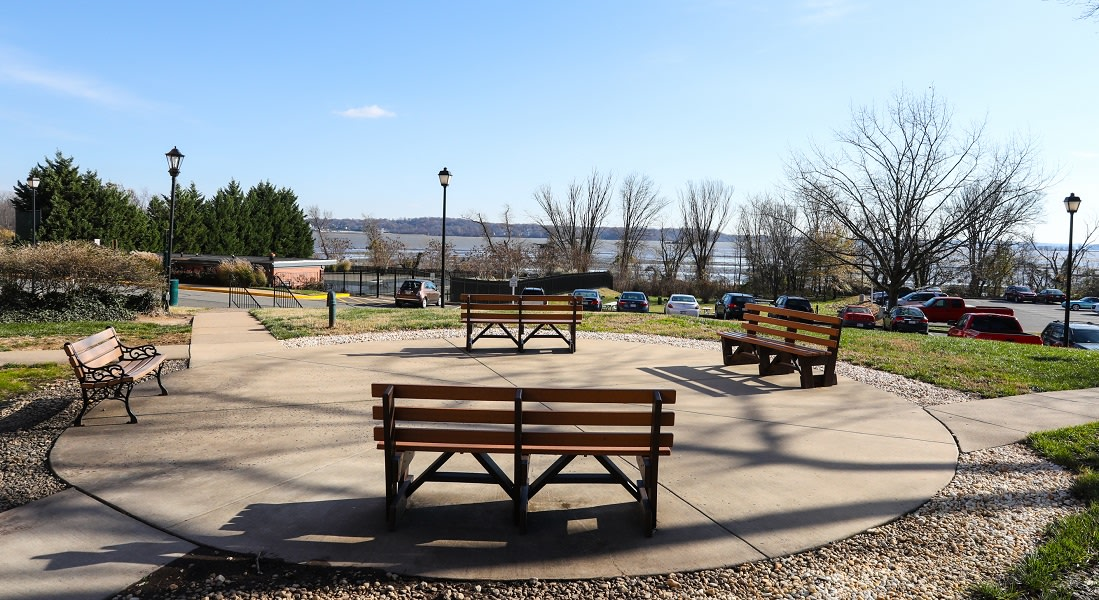 Relax and enjoy the nature that surrounds you at Bridgeyard Old Town