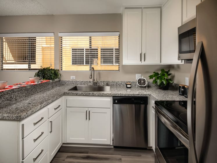 Kitchen Corte Bella, Fountain Valley, 92708