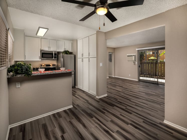 Kitchen Living Corte Bella, Fountain Valley, 92708