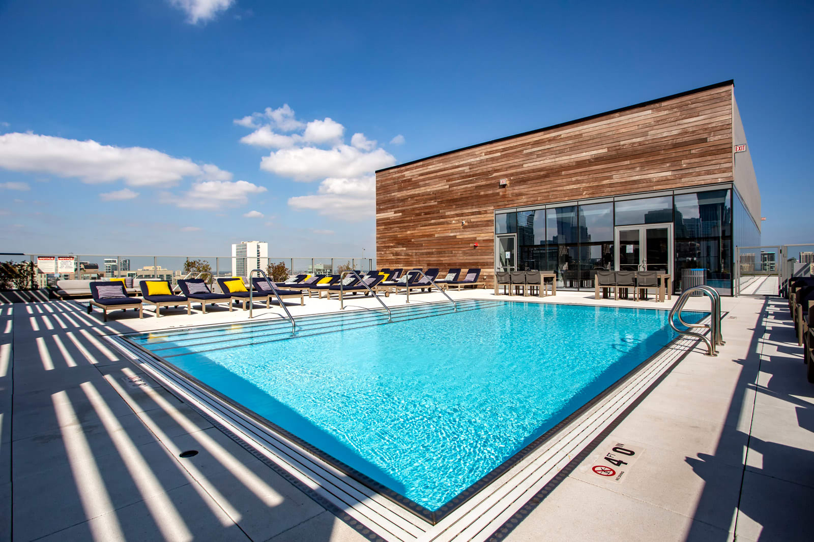 Rooftop Pool and Sundeck at 640 North Wells, 640 N Wells, IL